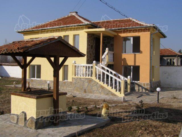 Дом в Пловдиве, Болгария, 888 м2 - фото 1