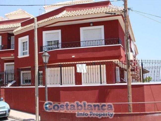 Коттедж в Торревьехе, Испания, 289 м2 - фото 1