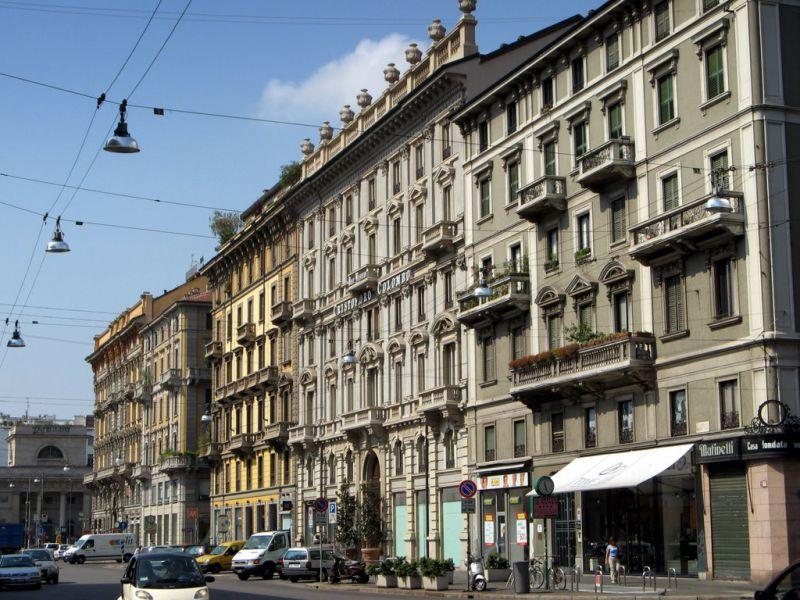 Магазин в Милане, Италия, 420 м2 - фото 1