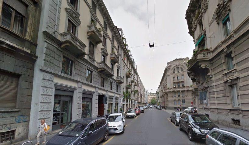 Коммерческая недвижимость в Милане, Италия, 900 м2 - фото 1