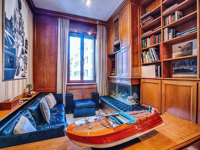 Апартаменты в Милане, Италия, 58 м2 - фото 1