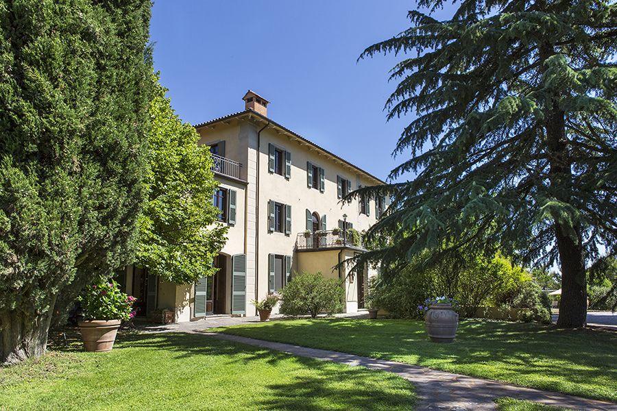 Отель, гостиница в Умбрии, Италия, 1600 м2 - фото 2