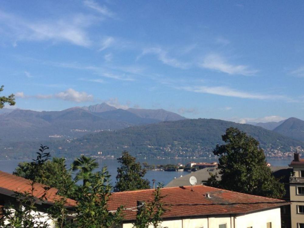 Апартаменты у озера Маджоре, Италия, 55 м2 - фото 1