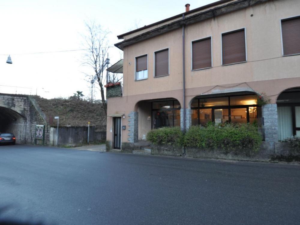Апартаменты у озера Маджоре, Италия, 60 м2 - фото 1
