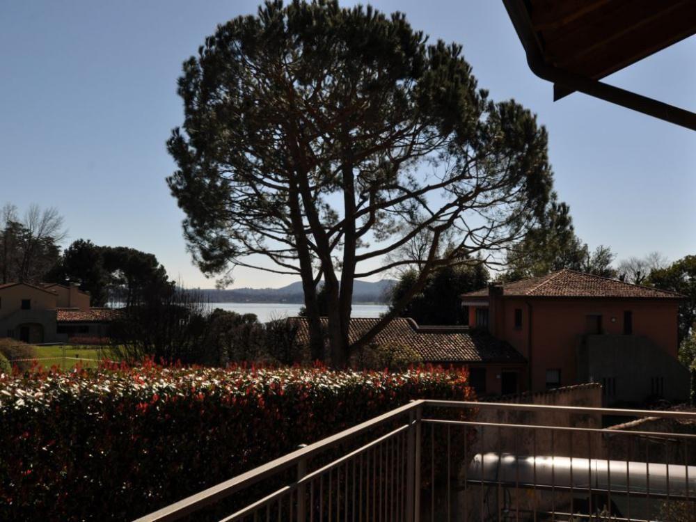 Апартаменты у озера Маджоре, Италия, 86 м2 - фото 1