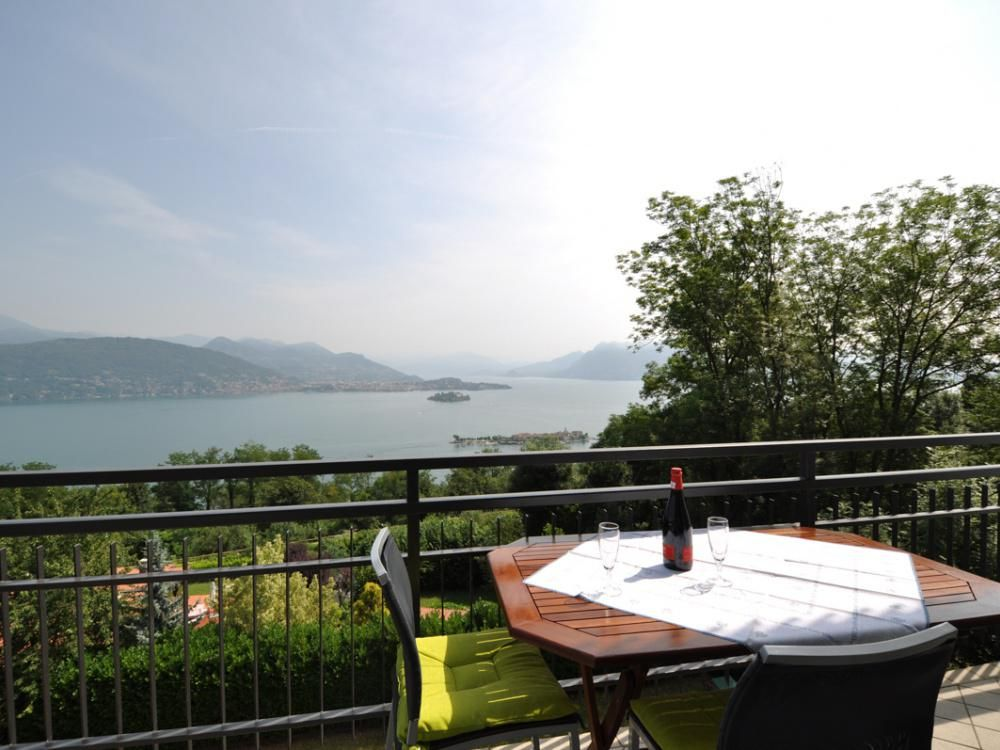 Апартаменты у озера Маджоре, Италия, 80 м2 - фото 1