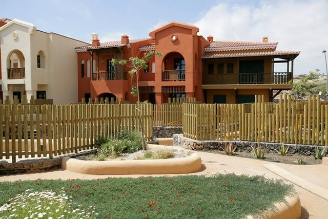 Townhouses for sale in Sani Island