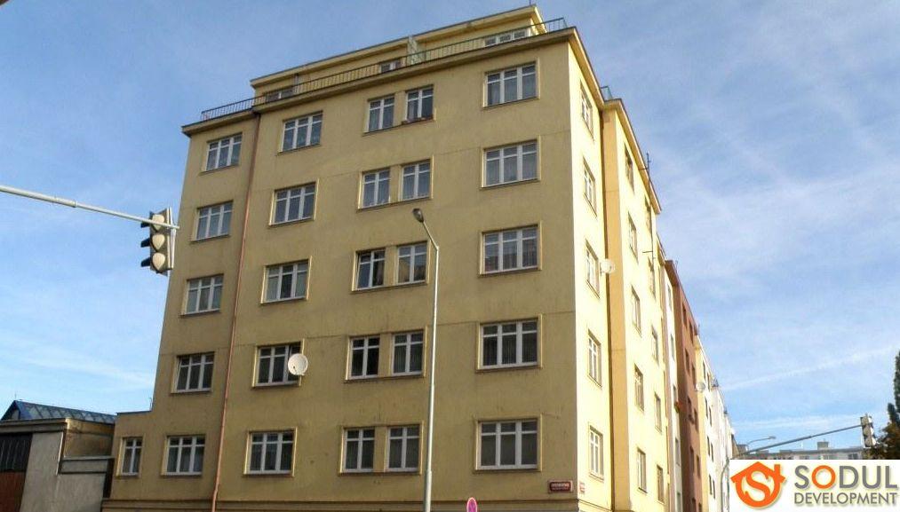 Коммерческая недвижимость в Праге, Чехия, 228 м2 - фото 1