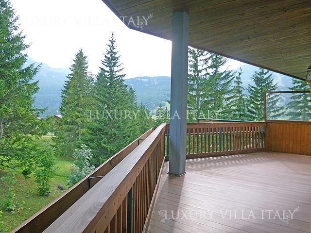 Real Estate Agency buy an apartment in Cortina dAmpetstso