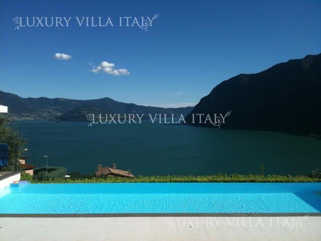 Дом у озера Изео, Италия, 310 м2 - фото 1