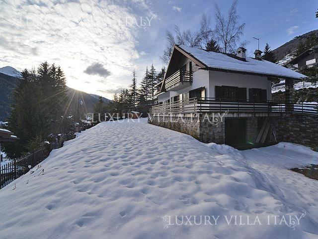 Дом в Понте-ди-Леньо, Италия, 3000 м2 - фото 1