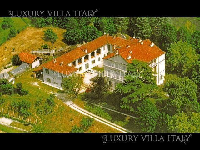 Дом в Асти, Италия, 49000 м2 - фото 1