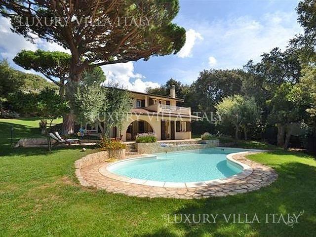 Дом в Пунта-Ала, Италия, 3500 м2 - фото 1