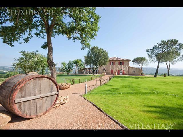Дом в Монтескудайо, Италия, 300 м2 - фото 1