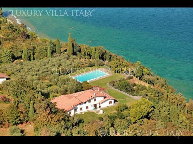 Дом у озера Гарда, Италия, 580 м2 - фото 1