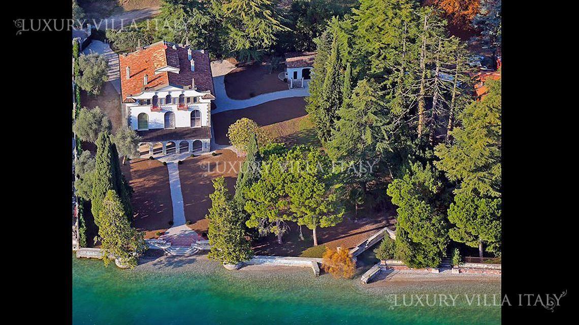 Дом у озера Гарда, Италия, 800 м2 - фото 1