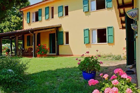 Коттедж в Пезаро, Италия, 345 м2 - фото 1