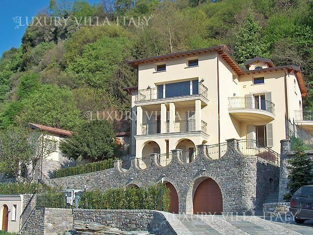 Дом у озера Комо, Италия, 7000 м2 - фото 1