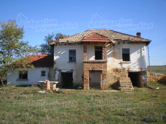 Дом в Ямболе, Болгария, 1650 м2 - фото 1