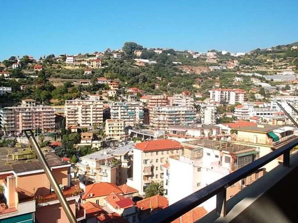 Апартаменты в Сан-Ремо, Италия, 75 м2 - фото 1