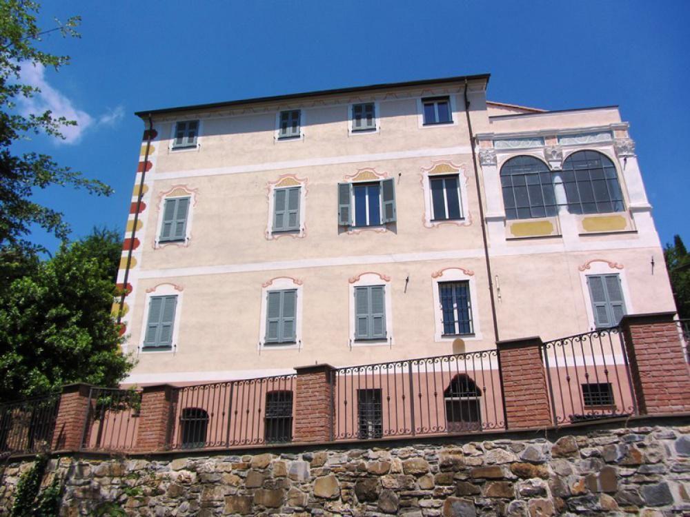 Дом под реконструкцию в Империи, Италия - фото 1
