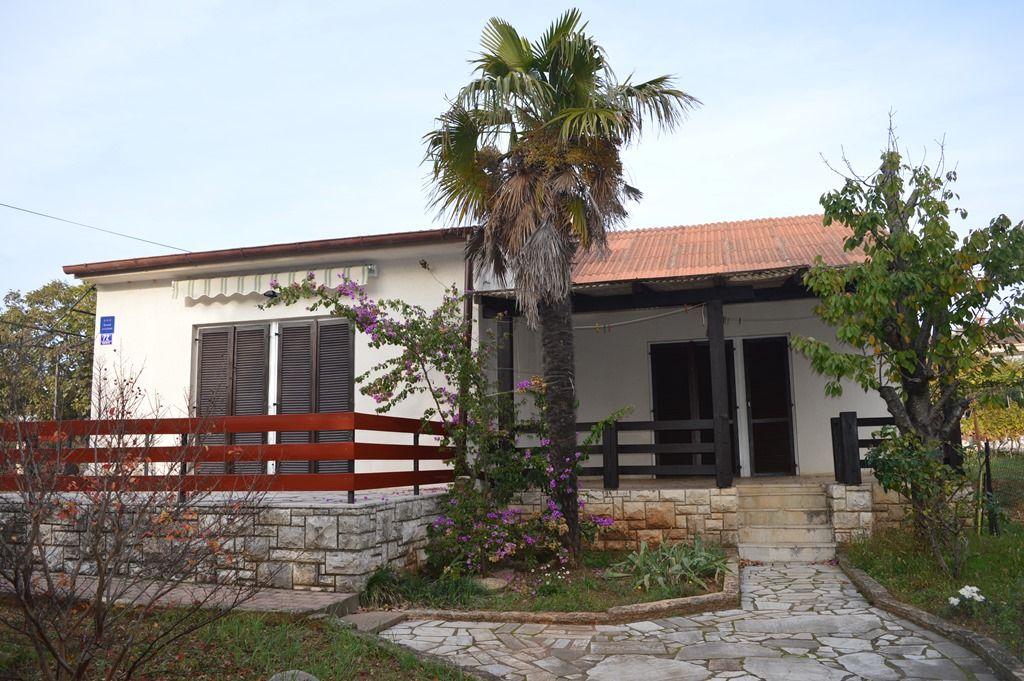Дом в Пуле, Хорватия, 250 м2 - фото 1