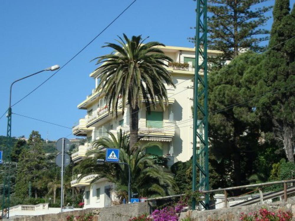 Апартаменты в Сан-Ремо, Италия, 126 м2 - фото 1