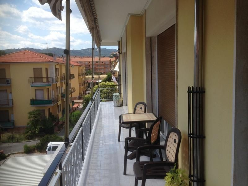 Апартаменты в Диано-Марина, Италия, 95 м2 - фото 1