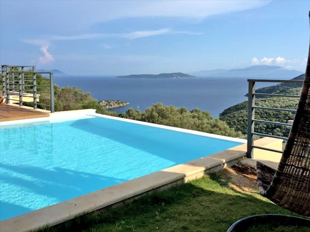 Коммерческая недвижимость на Лефкасе, Греция, 95 м2 - фото 1