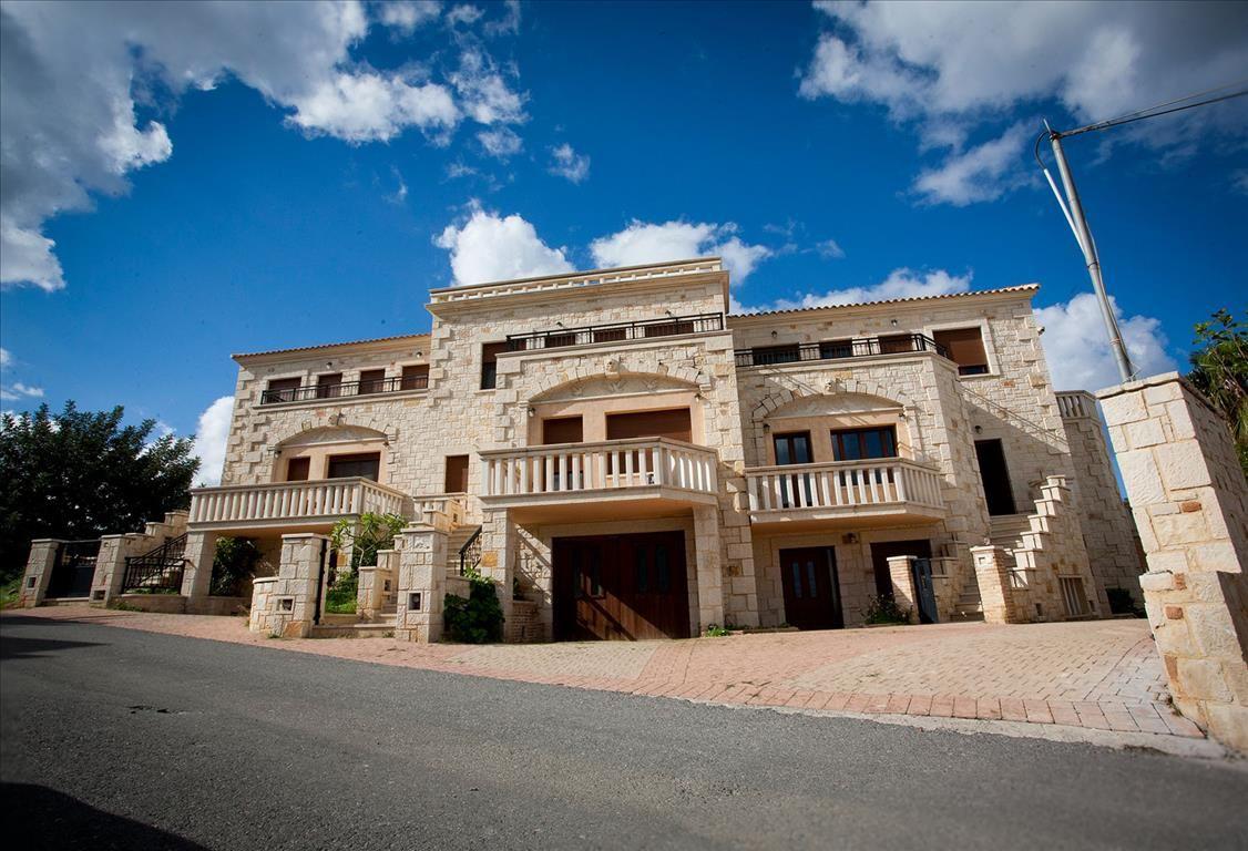 Коммерческая недвижимость в Аниссарас, Греция, 750 м2 - фото 1