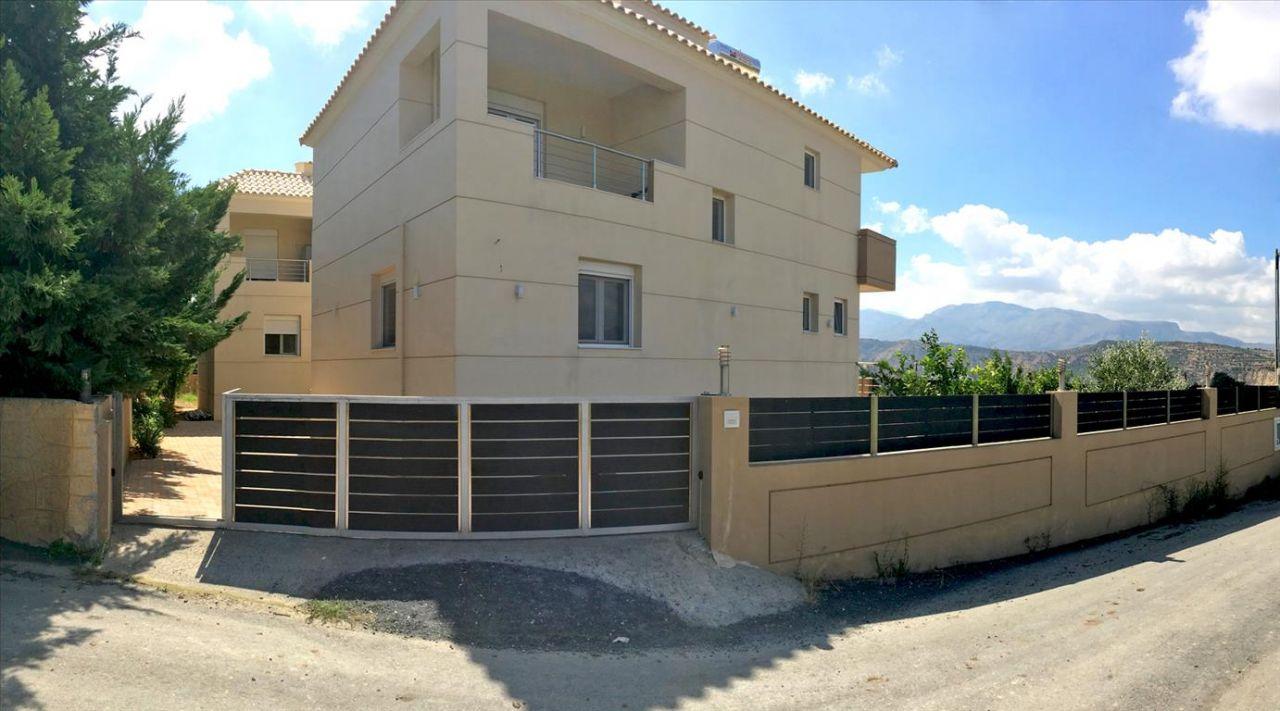 Дом в Ираклионе, Греция, 250 м2 - фото 1