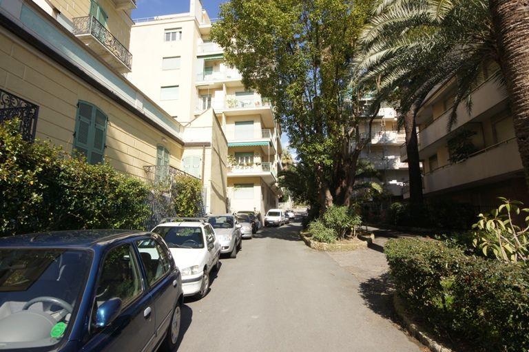 Квартира в Империи, Италия, 80 м2 - фото 1