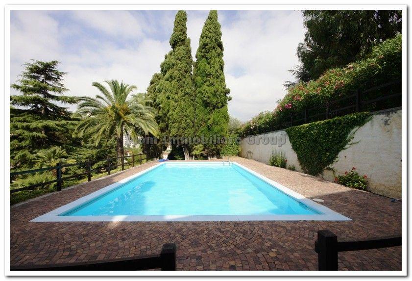 Апартаменты в Сан-Ремо, Италия, 140 м2 - фото 1