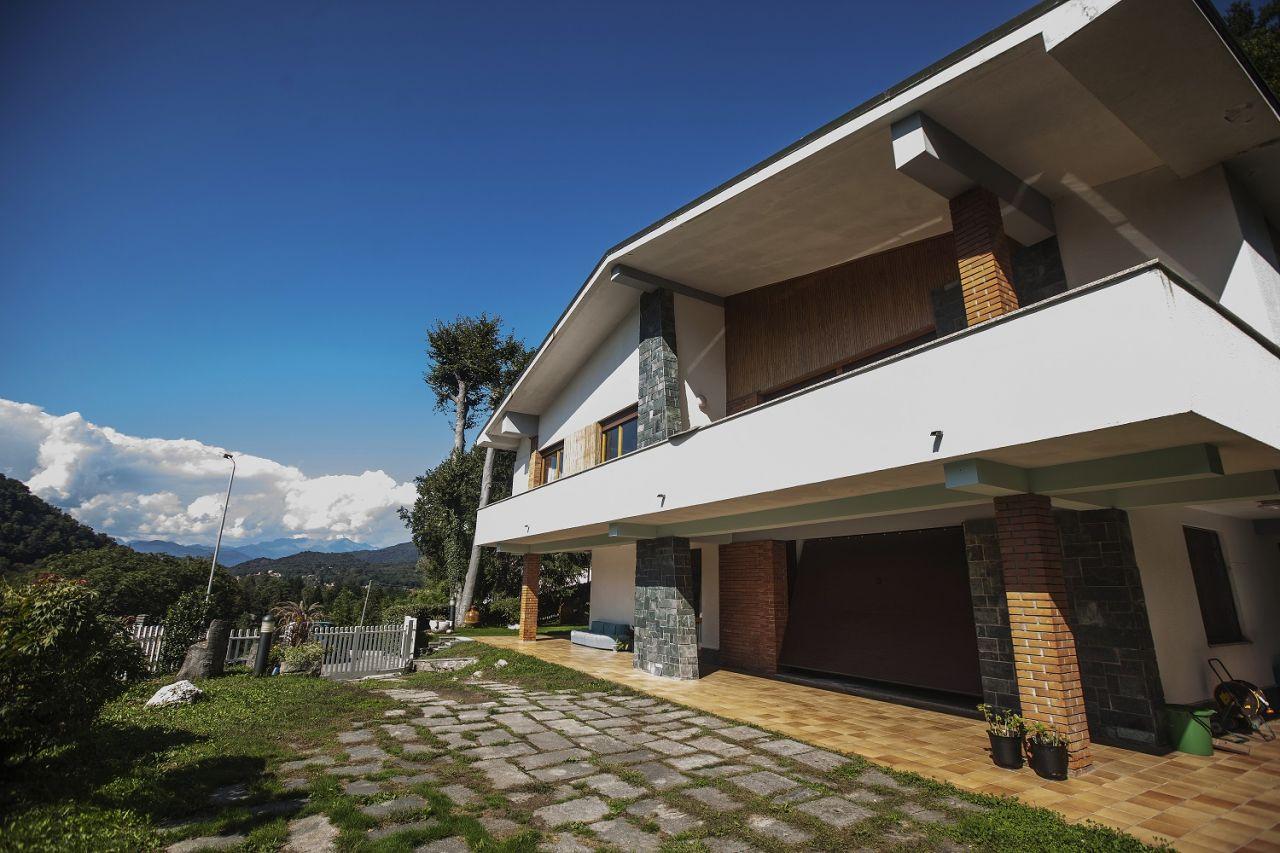 Вилла в Варесе, Италия, 460 м2 - фото 1