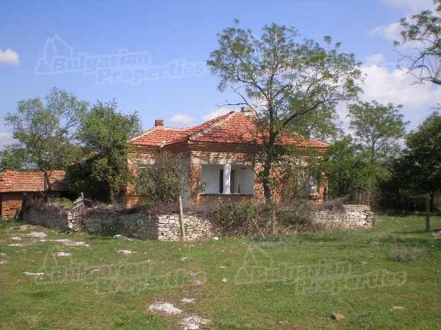 Дом в Ямболе, Болгария, 2200 м2 - фото 1