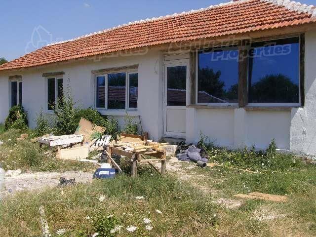 Дом в Ямболе, Болгария, 1250 м2 - фото 1