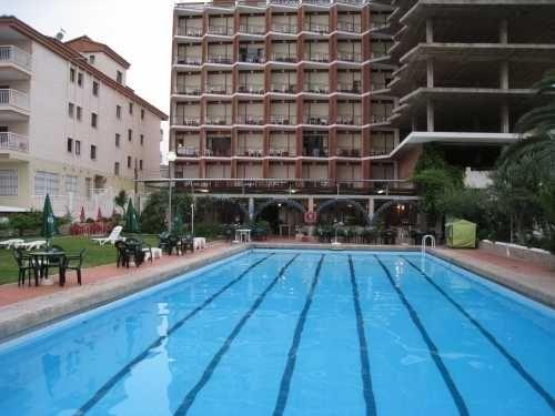Отель, гостиница на Коста-Асаар, Испания, 20000 м2 - фото 1