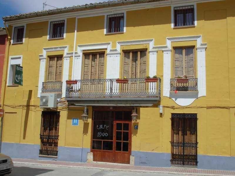 Отель, гостиница в Валенсии, Испания, 410 м2 - фото 1