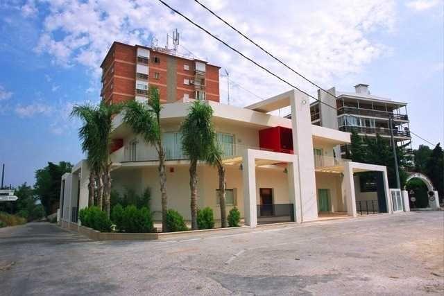 Отель, гостиница на Коста-Бланка, Испания, 904 м2 - фото 1