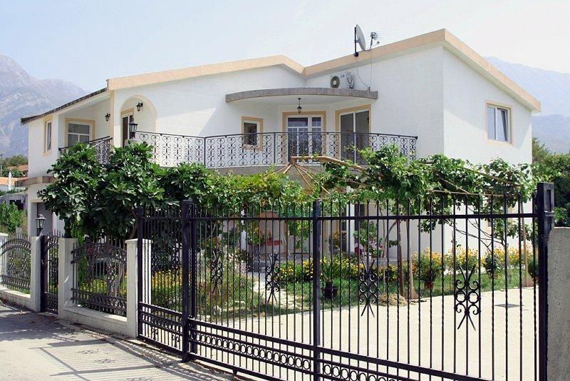 Villas in Bari near the sea Rentals
