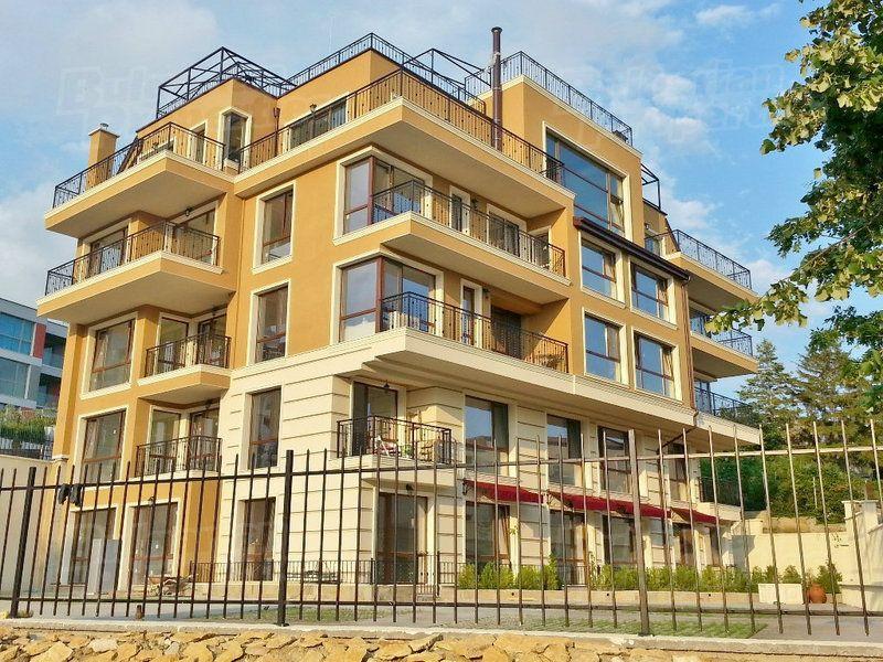 Апартаменты в Варне, Болгария, 55.4 м2 - фото 1