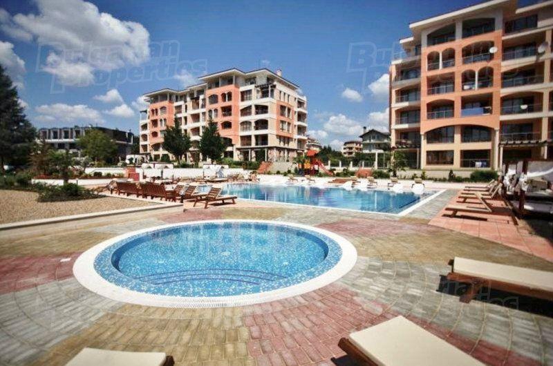 Апартаменты в Святых Константине и Елене, Болгария, 73.88 м2 - фото 1