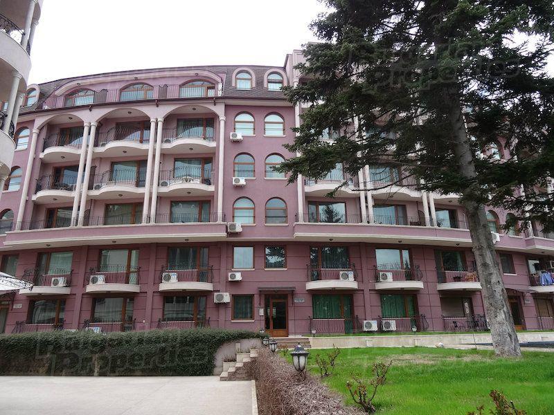 Апартаменты в Святых Константине и Елене, Болгария, 65.74 м2 - фото 1