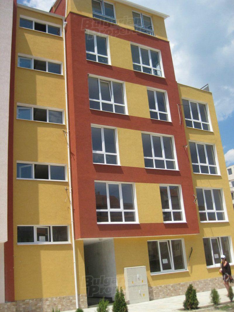 Апартаменты в Поморие, Болгария, 81.81 м2 - фото 1