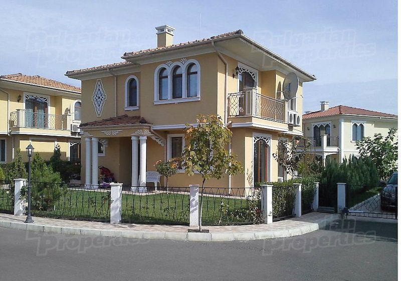 Дом в Бургасе, Болгария, 148.6 м2 - фото 1