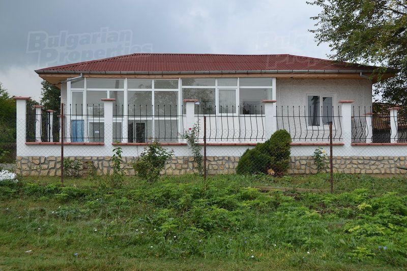 Дом в Шумене, Болгария, 1493 м2 - фото 1