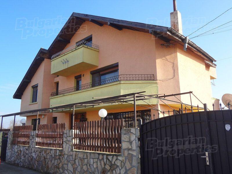 Дом в Бургасе, Болгария, 300 м2 - фото 1