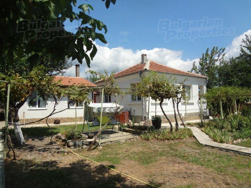 Дом в Бургасе, Болгария, 1800 м2 - фото 1