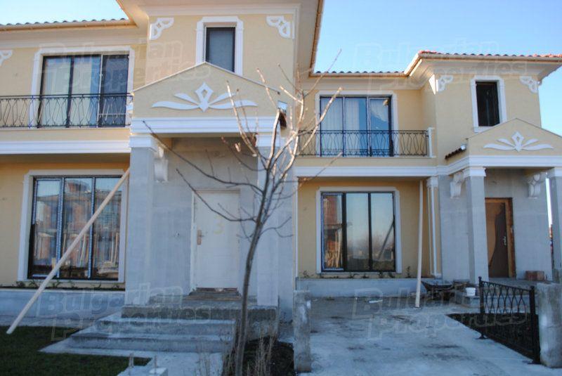 Дом в Бургасе, Болгария, 131.95 м2 - фото 1