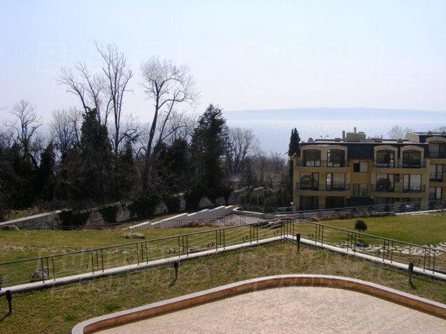 Апартаменты в Святых Константине и Елене, Болгария, 54.51 м2 - фото 1